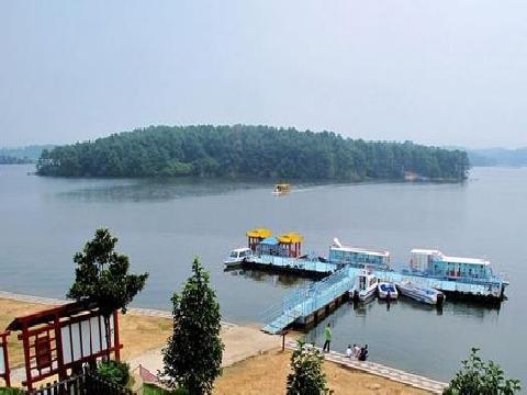 岱山湖风景区位于安徽全椒县与肥东县分界处,地处江淮分水